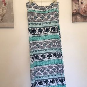 Large Rue21 maxi skirt